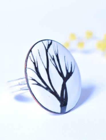 Bague motifs fins arbre émaux