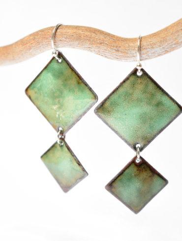 au fil d'émaux-Boucles d'oreilles pendantes vert d'eau-création-jewellery-enamel-handcraft-France-art