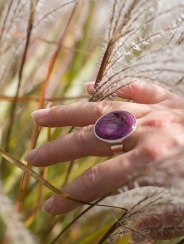 Bague ronde violette