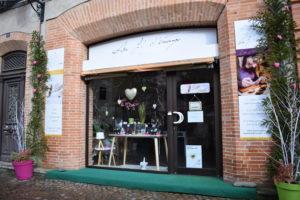 Ma boutique pour la Saint Valentin  Décoration rose, nature et cœurs. Au fil d'émaux Moissac. Bijoux uniques artisanaux. Un bijou unique pour votre valentine
