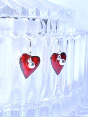Boucles petits coeurs rouges