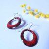 Boucles d'oreilles colorées pour égayer votre tenue, pièces uniques. Très légères à porter, ces boucles d'oreilles sont en émail sur métal, de Limoges. Cuites à 800°C. Réalisé main.
