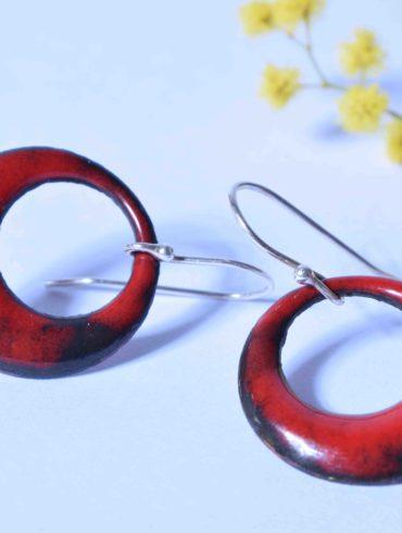 Petites créoles rouges essentiels