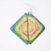 Boucles d'oreilles forme triangle, motif tourbillon en couleur. Originale et atypique, pièce unique signée et fait main de la découpe du métal à l'maillage jusqu'au motif peiny à la main. 2 cuissons à 800°c ont été nécessaires à la réalisations de ces émaux d'art.