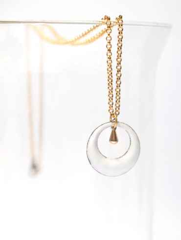 collier-petit-rond-ajouré-goutte-collection-de-blanc-et-d-or-au-fil-d-emaux-unique-fait-main-occitanie-emaux-art