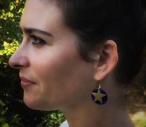 Boucles d'oreilles ronds bleu roi étoile dorée