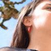 boucles d'oreille fines feuilles flammes rouges