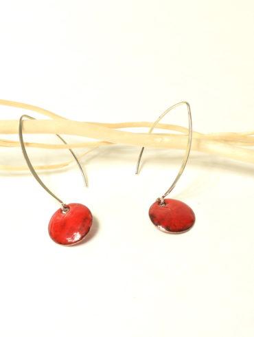 boucles-oreille-rouge-rond-attache-argent-longue-contemporaine-béatrice-perget-au-fil-d-emaux-Moissac-Création-francaise-handmade