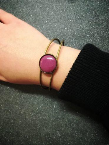 bracelet émail pourpre monture bronze réglable