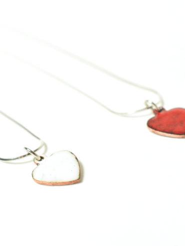 collier-petit-coeur-rouge-blanc-st-valentin-artisanal-émaux-d-art-moissac-France