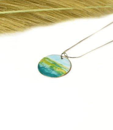 pendentif-paysage-bleu-vert-emaux-aufildemaux
