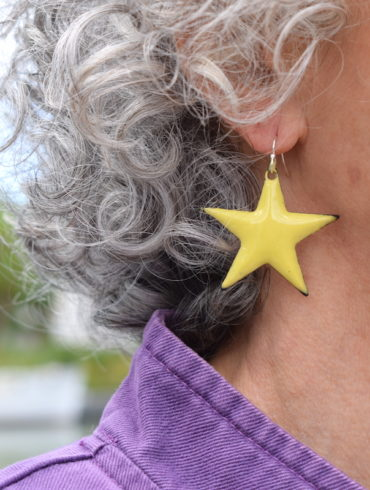 boucles-etoiles-jaune-xxl-emaux-unique-star-creation-artisanal-moissac