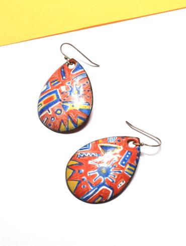 boucles-oreille-contemporaine-orange-motifs-email-peint