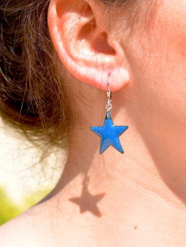 boucles-oreille-petites-etoiles-bleu-marines-clair-dormeuses-emaux-creation