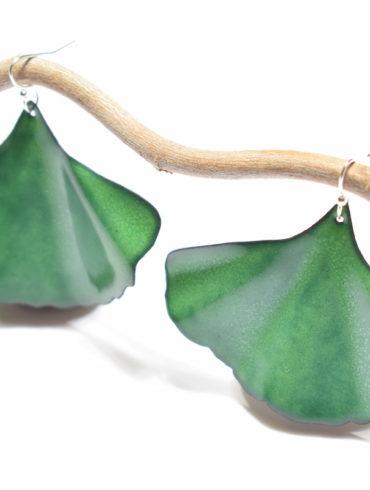 Boucles d'oreilles grandes feuilles ginkgo vertes
