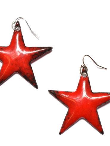 boucles-oreilles-grandes-etoiles-rouge-cerise-bijoux-colore-singulier-boutique-aufildemaux