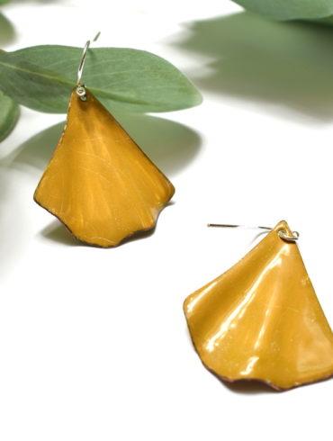 boucles-oreilles-jaunes-moutarde-feuille-ginkgo-beatrice-perget-creations-moissac