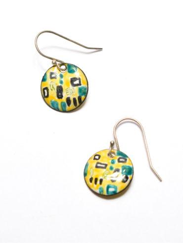 Boucles d'oreilles petits ronds en émail peint à la main et aux esquisses patchwork colorées noires et bleu-vert