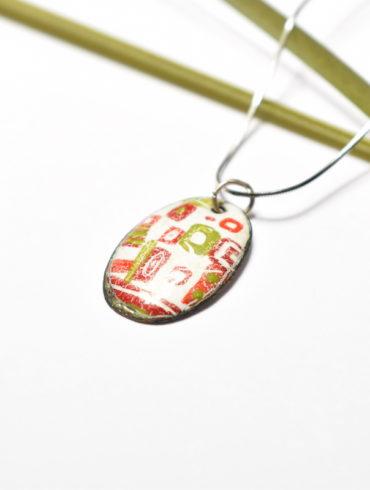 Collier petit ovale en émail peint motif patchwork
