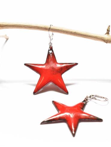 Boucles d'oreilles grandes étoiles rouges et dormeuses en argent