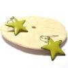 Boucles d'oreilles petites étoiles vertes clair en émail