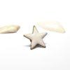Badge pin's étoilé en émail blanc