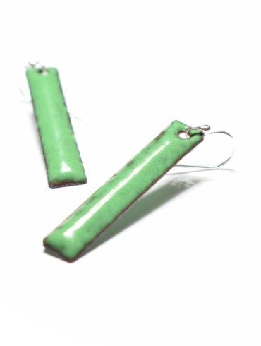 Boucles d'oreilles rectangulaires en émaux d'art, de couleur vert foncé