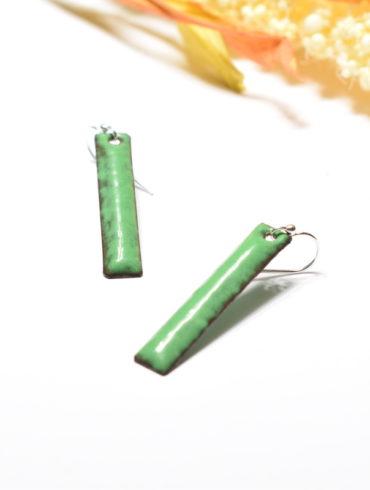 boucles-baton-vert-emaux-attache-argent-massif-unique-fait-main-creatrice-aufildemaux-moissac