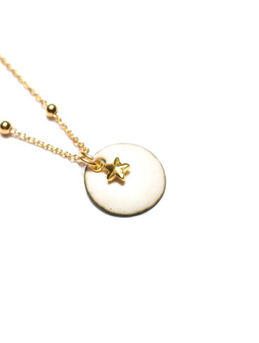 Collier petite médaille et breloque dorée